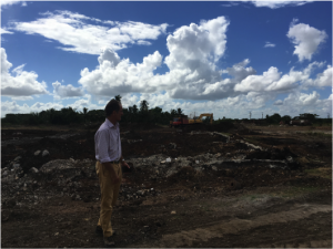 Madonald watches the first buildozers at the Ciro Redondo project
